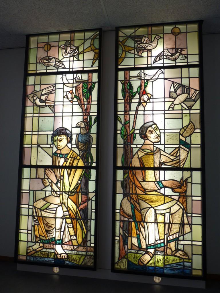 De twee ramen op de vijfde etage.